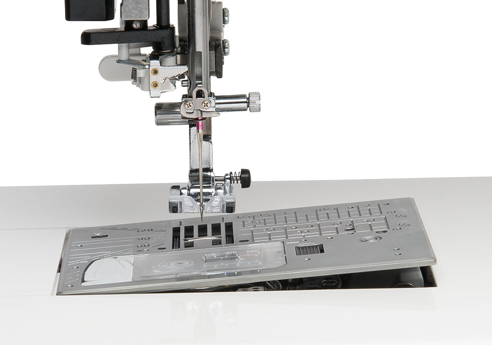 https://sicistroje-shop.cz/image/catalog/Janome/m7/m7-one-touch-needle-plate.jpeg